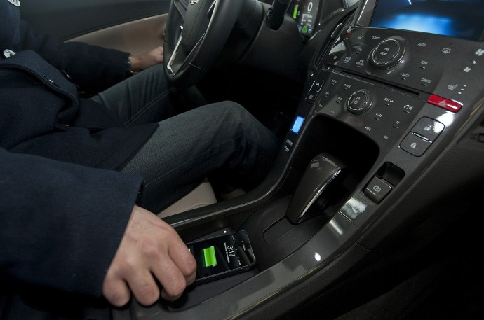 General Motors 2014 mit ersten Autos mit Wireless Charging